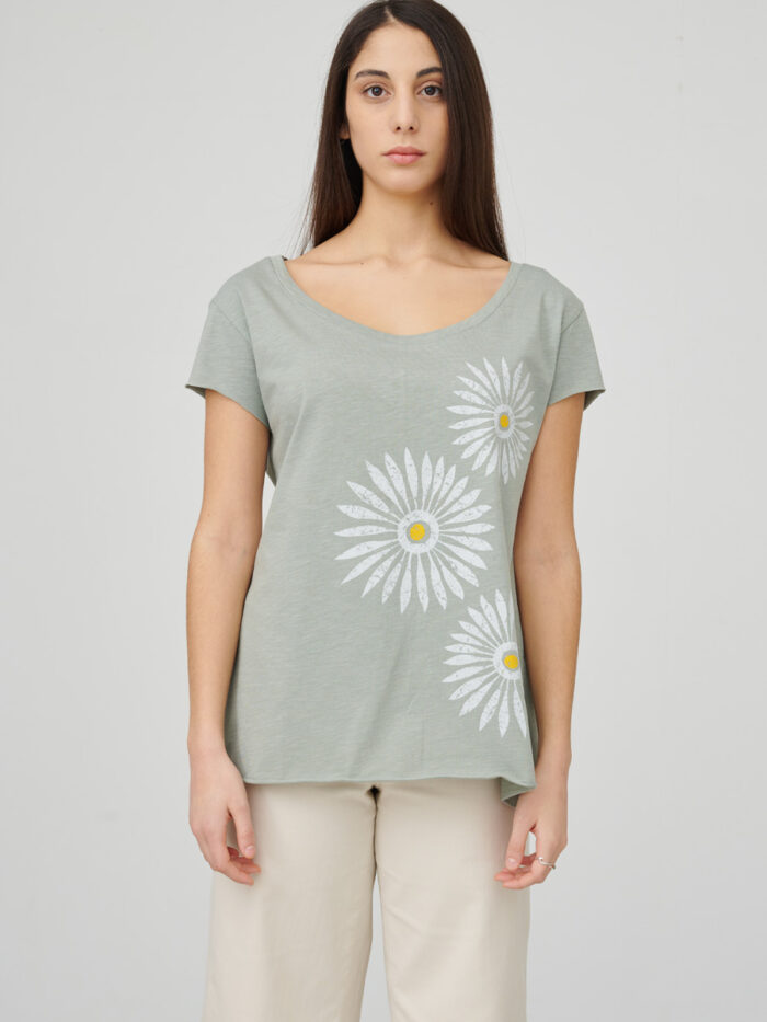 womens_back-slit_rosettes_light-green_front_inspira