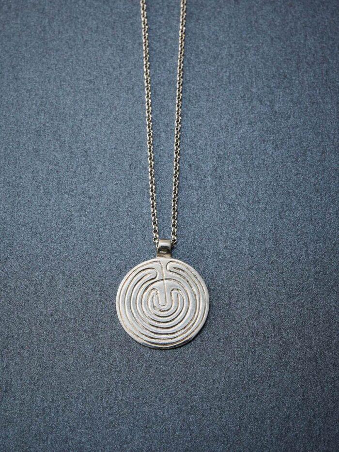 necklace_labyrinth_inspira